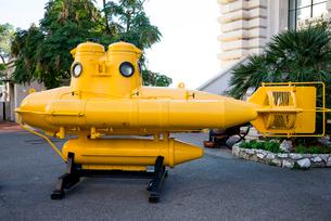 海洋博物館前のイエローサブマリンの写真素材 [FYI01709347]