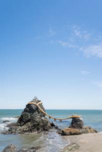 二見浦の夫婦岩の写真素材 [FYI01709521]