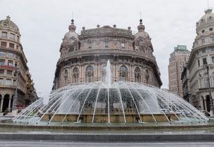 フェッラーリ広場の噴水の写真素材 [FYI01709534]