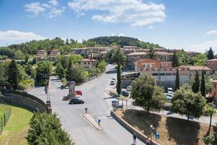 モンタルチーノのロータリーを見下ろすの写真素材 [FYI01709553]