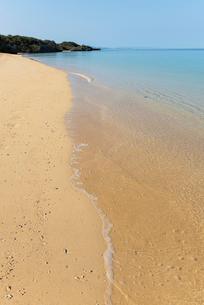 石垣島サンセットビーチの砂浜の写真素材 [FYI01709735]