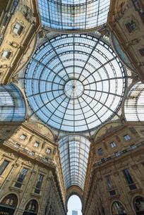ヴィットリオ・エマヌエーレ2世ガレリアのガラス天井の写真素材 [FYI01709785]