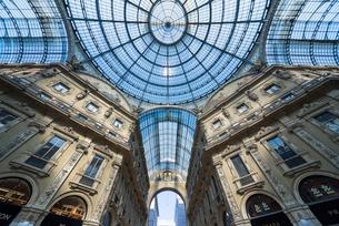 ヴィットリオ・エマヌエーレ2世ガレリアのガラス天井の写真素材 [FYI01709804]