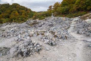 紅葉の恐山風景の写真素材 [FYI01709895]