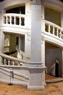 シャンボール城のダ・ヴィンチの設計とされる二重螺旋階段の写真素材 [FYI01710124]