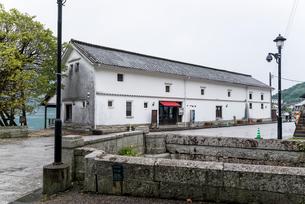 三角西港の歴史的建造物旧三角海運倉庫の写真素材 [FYI01710158]