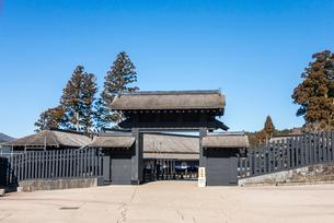 箱根関所の門風景の写真素材 [FYI01710376]