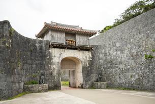 首里城外郭第一の正門歓会門の写真素材 [FYI01710403]