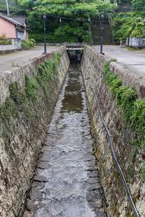 三角西港排水路の写真素材 [FYI01710651]