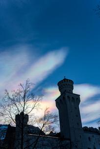 彩雲がかかるノイシュヴァンシュタイン城の写真素材 [FYI01710881]