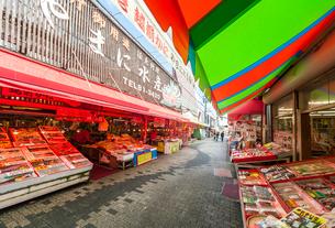 東尋坊商店街風景の写真素材 [FYI01711078]