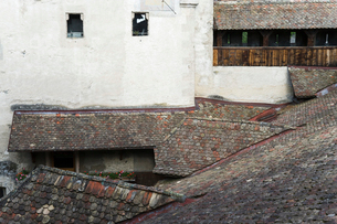 スイス シオン城 屋根の写真素材 [FYI01711421]