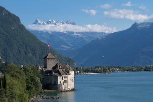 スイス シオン城とレマン湖の写真素材 [FYI01711810]
