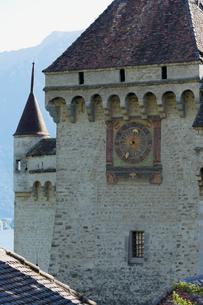 スイス シオン城 時計台の写真素材 [FYI01712014]