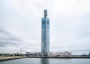 秋田港のポートタワーセリオンの写真素材 [FYI01712183]