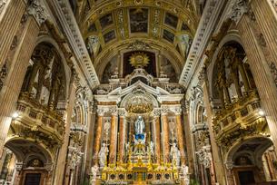 ジェズ・ヌオーヴォ教会の豪華絢爛な主祭壇の写真素材 [FYI01712266]