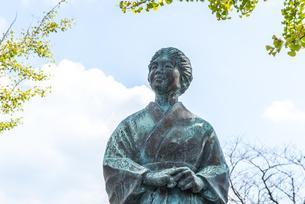 知覧平和公園に建つ母の像の写真素材 [FYI01712268]
