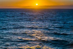 地中海の日の出の写真素材 [FYI01712400]