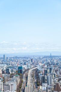 高速道路の走る名古屋市街地を見下ろすの写真素材 [FYI01712513]