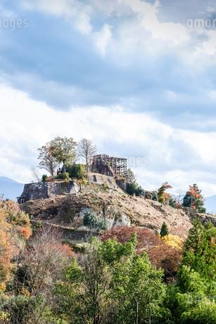 苗木城跡天守展望台を望むの写真素材 [FYI01712593]