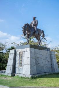 今治城に建つ藤堂高虎騎馬像の写真素材 [FYI01712636]