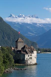 スイス シオン城とレマン湖の写真素材 [FYI01712669]