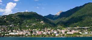 スイス レマン湖畔 シオン城付近の写真素材 [FYI01712679]
