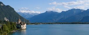 スイス シオン城とレマン湖の写真素材 [FYI01712781]