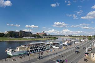 ドレスデン街並み エルベ川の写真素材 [FYI01712867]