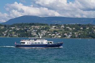 スイス ジュネーブ レマン湖遊覧船の写真素材 [FYI01712974]