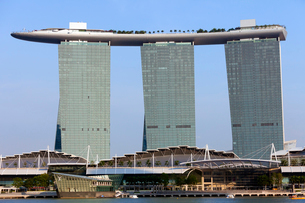 シンガポール マリーナ・ベイ・サンズ周辺の写真素材 [FYI01713664]