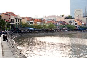 シンガポール川ボート・キー地区の写真素材 [FYI01713735]