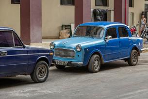 キューバ クラシックカーの写真素材 [FYI01714465]