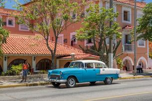 キューバ バラデロ クラシックカーの写真素材 [FYI01714745]