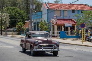 キューバ バラデロ クラシックカーの写真素材 [FYI01714758]