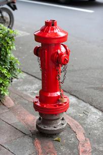 台北 道路沿いの消火栓の写真素材 [FYI01715349]