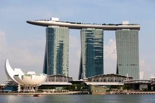 シンガポール マリーナ・ベイ・サンズ周辺の写真素材 [FYI01715478]