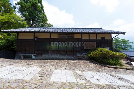 木曽馬籠宿 ふるさとの家の写真素材 [FYI01715595]