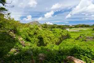 今帰仁城跡の谷、カーザフの写真素材 [FYI01716251]