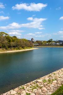 岡山 旭川と岡山城の写真素材 [FYI01716434]