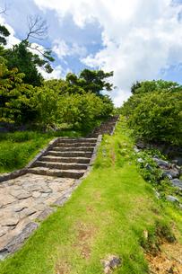 今帰仁城跡、七五三の階段の写真素材 [FYI01716535]