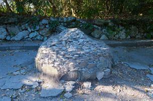 佐久島 筒島の願い石の写真素材 [FYI01716759]