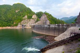 高根第一ダム,高根乗鞍湖の写真素材 [FYI01716791]