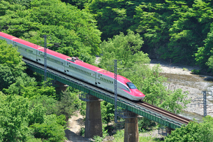 秋田新幹線E6系の写真素材 [FYI01717727]