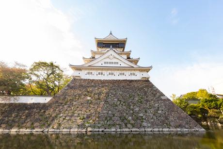 歴史の道から望む小倉城の写真素材 [FYI01717945]