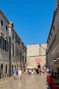 プラツァ通り、ピレ門側城壁の写真素材 [FYI01718415]