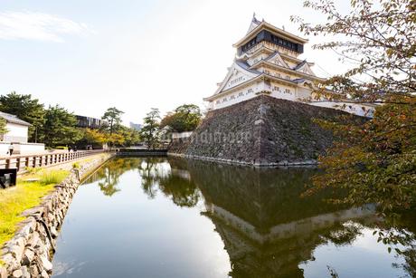 小倉城とお堀の写真素材 [FYI01718465]