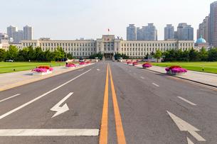 大連市人民政府庁舎(旧関東州庁舎)の写真素材 [FYI01718487]