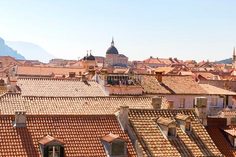 ドブロブニク旧市街,オレンジの屋根の写真素材 [FYI01718530]