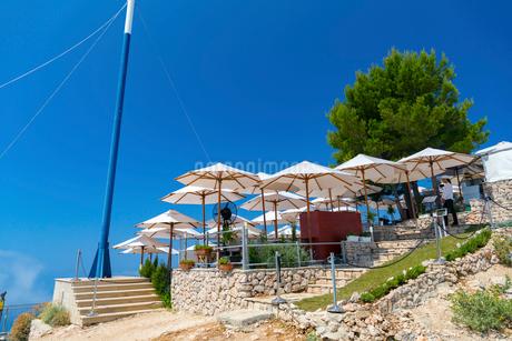 スルジ山頂、アドリア海の真珠を見下ろすカフェの写真素材 [FYI01718609]